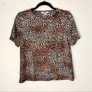 Alia   petite leopard print ribbed T-shirt